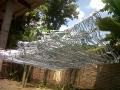 pengeringan hanger kawat secara manual,melalui sinar matahari langsung